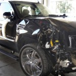 tiger-woods-escalade-after-crash-broken-window-blood-marks